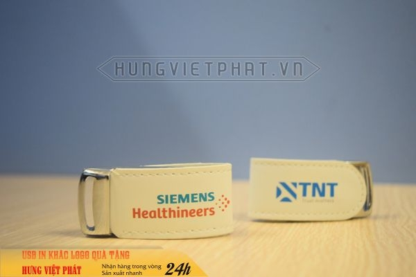 UDV-011-in-dap-khac-logo-doanh-nghiep-lam-qua-tang-su-kien--7-1474519564.jpg