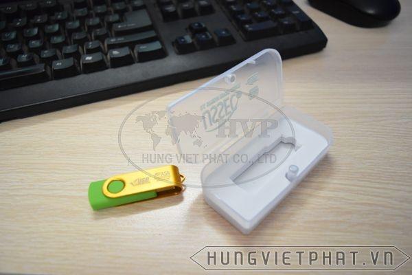 UHV-011---Hop-Chiec-la-1-1497436057.jpg