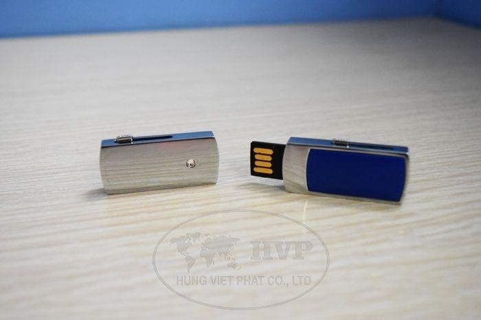UKV-006-in-logo-lam-qua-tang-khach-hang-1-1529124526.jpg